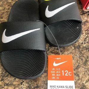 Nike unisex kids slip ons